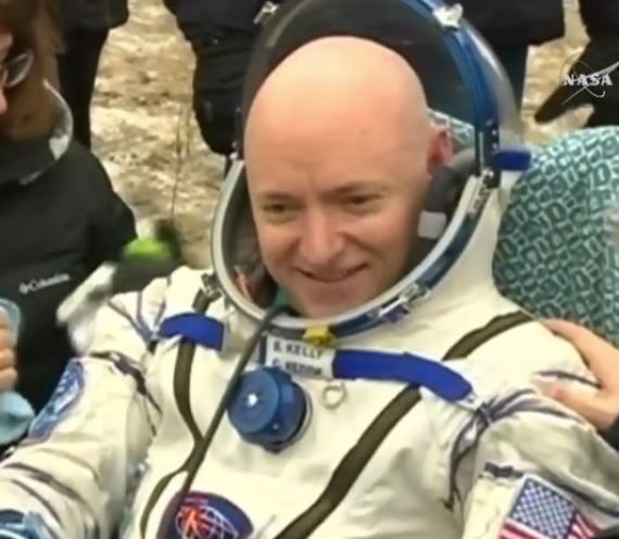 Astronaut Scott Kelly returns to Earth after longest U.S. space mission