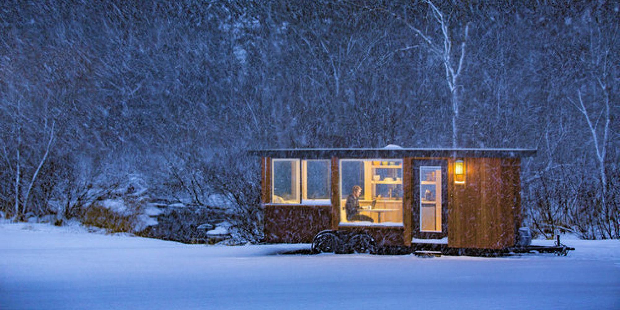 renouez avec la nature gr ce ce chalet mobile photos. Black Bedroom Furniture Sets. Home Design Ideas