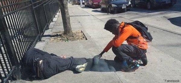 Tutte le volte che vedete un senzatetto ricordatevi di questo scatto