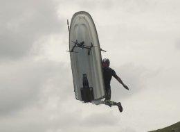 Ce drone n'aurait pas dû se mettre sur la route de ce jet-ski