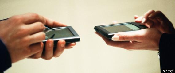 SMARTPHONES RELATIONSHIPS