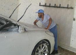 سعودي يعمل في مغسلة سيارات يمتلكها ويرغب في توظيف سعوديين!