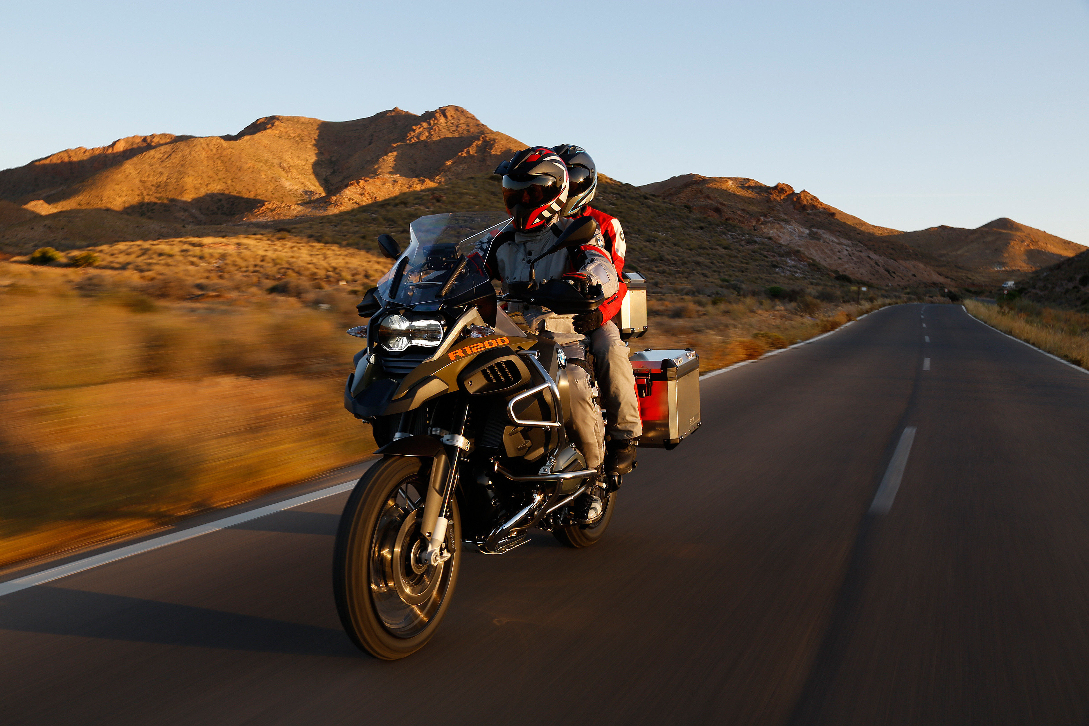 5 Futuristic Motorcycle Technologies That Make Riding A Breeze