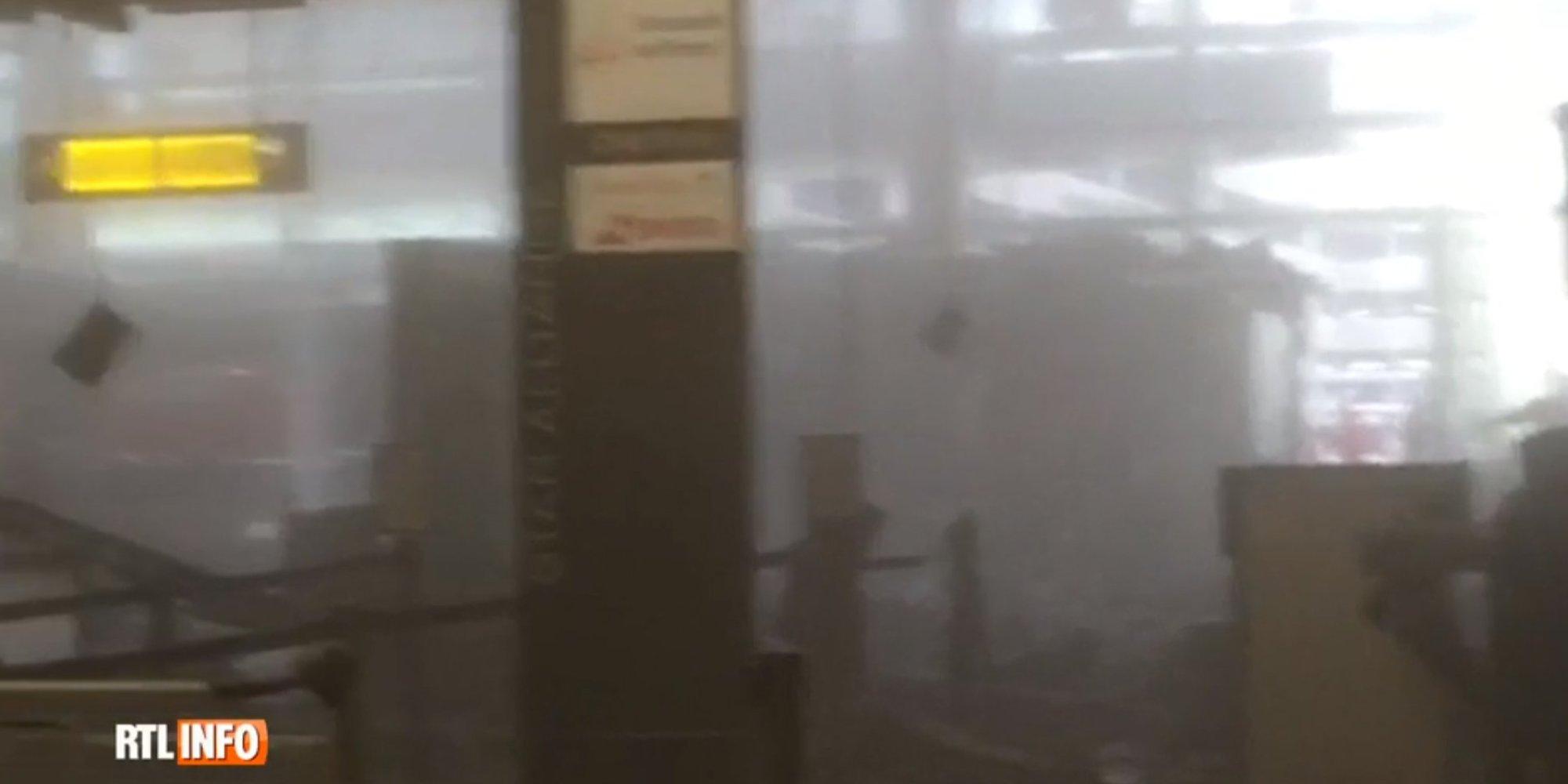 El caos en el interior del aeropuerto de zaventem tras las for Interior zaventem