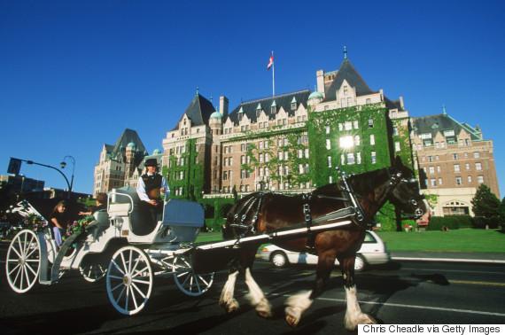 horsedrawn carriage victoria