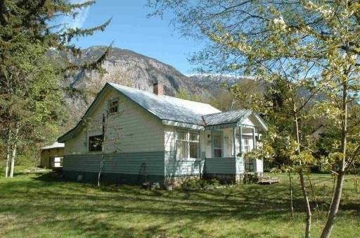 bella coola house