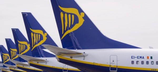 Ryanair niega que discrimine a los discapacitados tras la protesta de este colectivo en Barajas