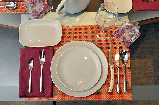 Holiday Table Setting: Where Everything Goes