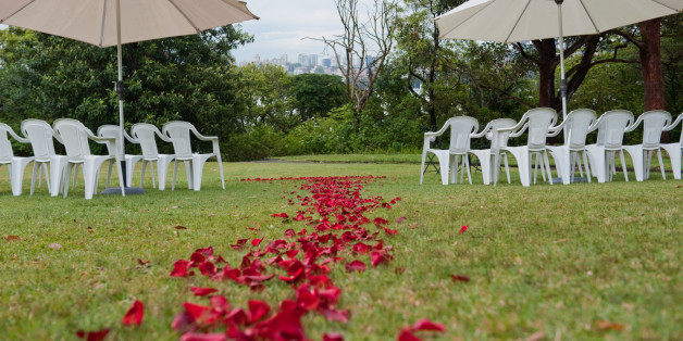 10 tips for planning the perfect backyard wedding