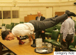 This Trudeau Pose Went Viral And Everyone Cracked The Same Damn Joke