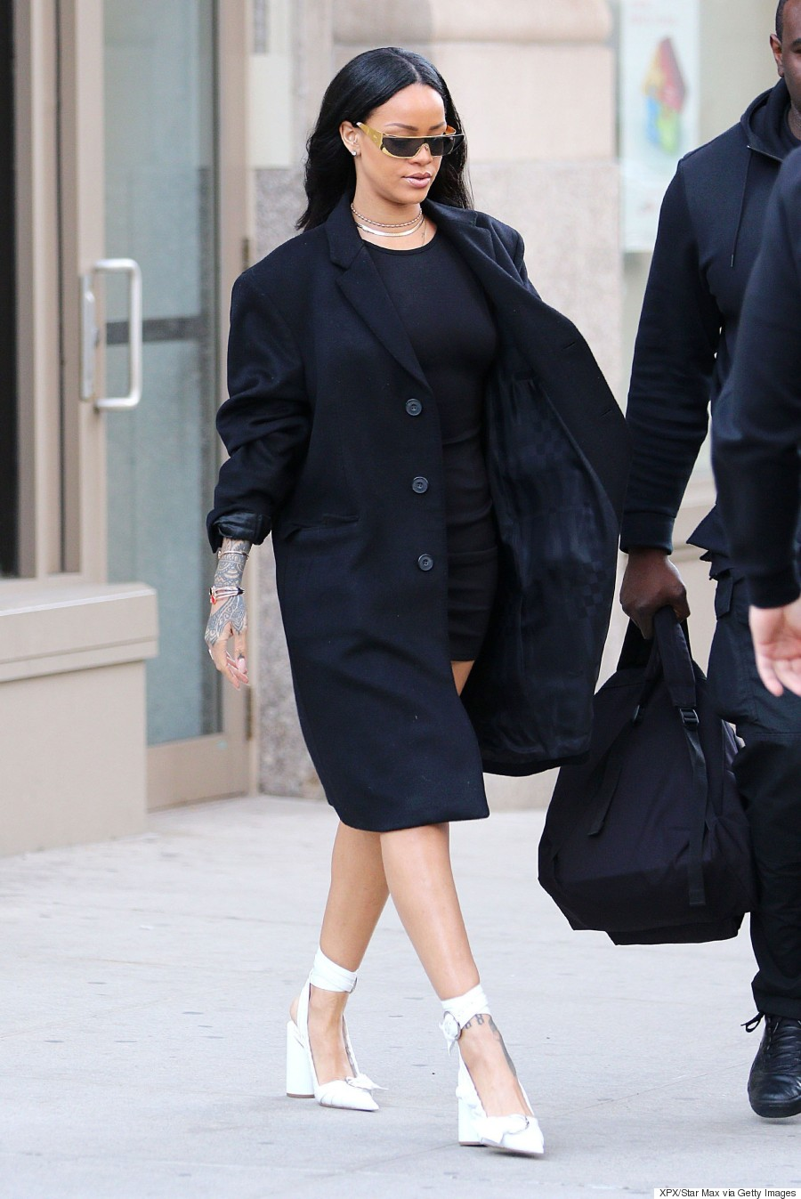 Black sandals rihanna -  List This Week Was Kendall Jenner Who Nailed All Of Our Fave Spring Trends In One Outfit Off The Shoulder Tops Distressed Denim And Lace Up Sandals