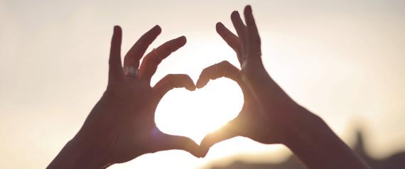 SUNLIGHT HEART SHAPE HANDS