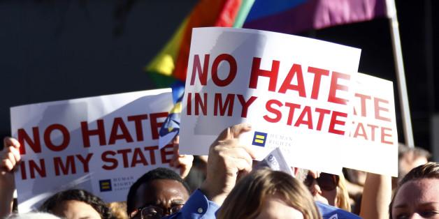 http://i.huffpost.com/gen/4192344/images/n-MISSISSIPPI-LGBT-628x314.jpg