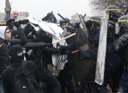 Les manifestations contre la loi Travail durent, la défiance envers la police grandit