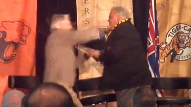 Joe Kapp and Angelo Mosca brawl at luncheon