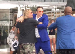 Nicolas Cage se bat avec le chanteur de Motley Crue (VIDÉO)
