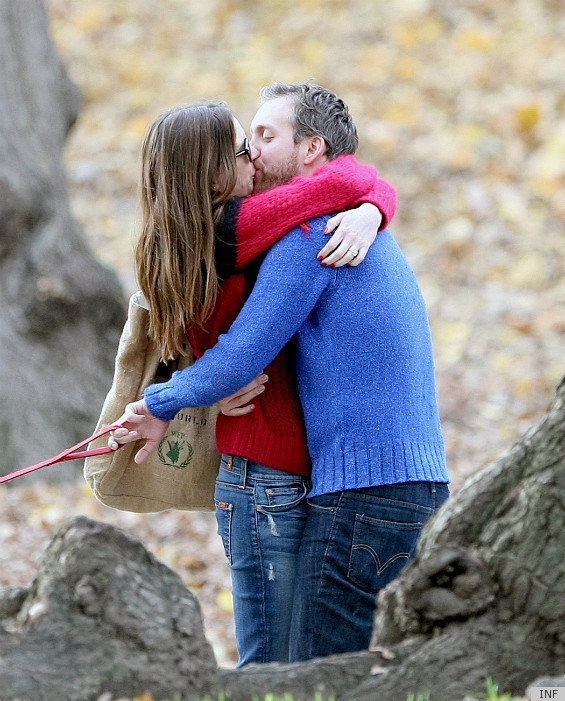 Anne Hathaway Engaged, Shows Off Ring In The Park (PHOTOS