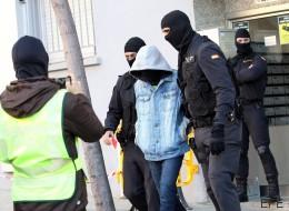 Detenida una pareja de Granada que iba a Siria a enrolarse en el Daesh
