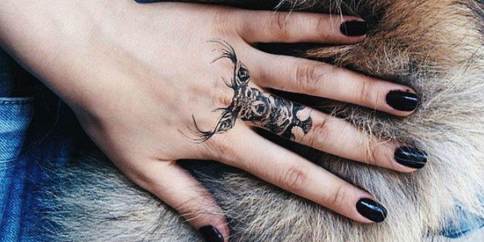 Ink hunter l 39 appli qui permet de tester un tatouage avant de se lancer - Tatouage famille homme ...