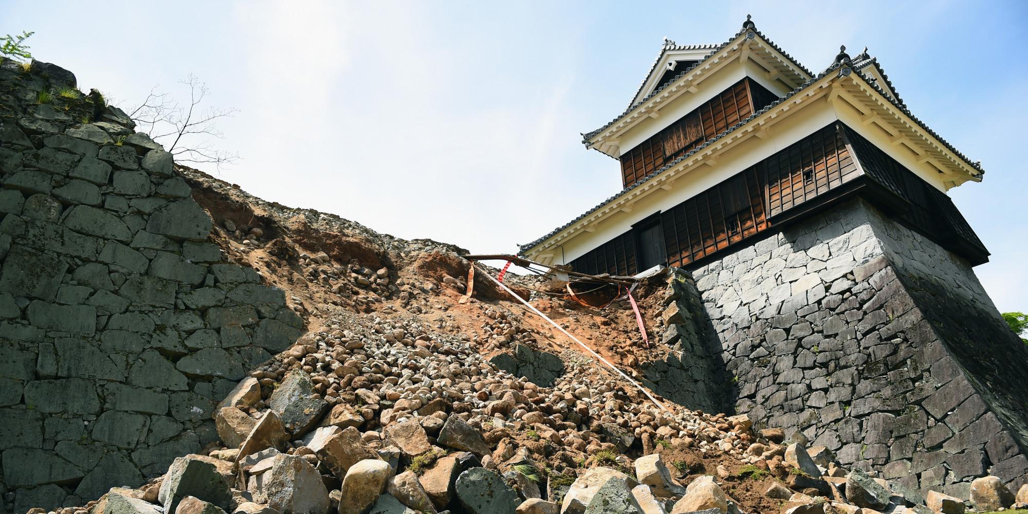 Kumamoto Japan  city photos : 熊本城は地震でどうなったか? 比較写真で分かる ...