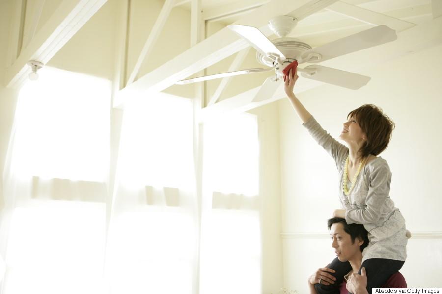 clean ceiling fan