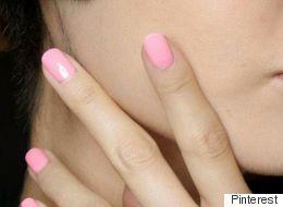Les ongles roses en vedette pour le printemps