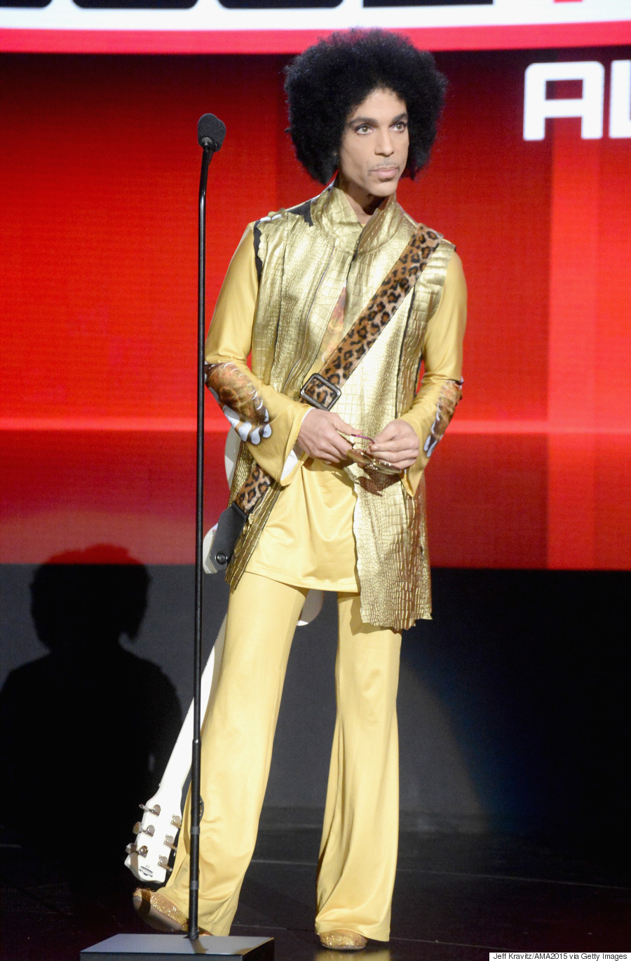 Prince Style A Look Back At The Music Superstar 39 S Most Iconic Fashion Looks