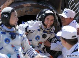 Qué hacen las astronautas cuando tienen la regla