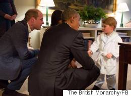 Le prince Georges vole la vedette... en pyjama