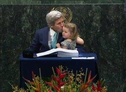 Le moment qui a marqué la signature de l'accord de Paris (VIDÉO)