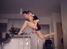 Quand on a une mère qui bosse au Cirque du Soleil, à la maison, ça ressemble à ça