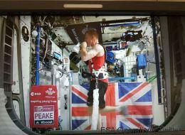 Il a couru le marathon de Londres depuis l'espace