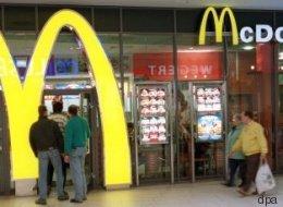 Kunde macht grausamen Fund in McDonald's-Mülleimer