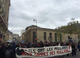 La marche des intermittents du ministère du Travail au théâtre de l'Odéon