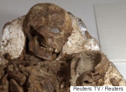Fossilized Mom Held Her Baby For 4,800 Years