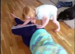 Cette petite fille vous apprend la position latérale de sécurité