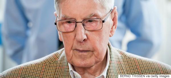 Un ex-gardien SS d'Auschwitz accusé de meurtres se dit honteux