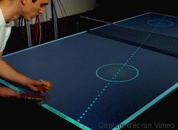 Cette table de ping-pong est le meilleur des entraîneurs