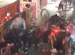 Monumentale chute collective lors d'une course cycliste à New York (VIDÉO)