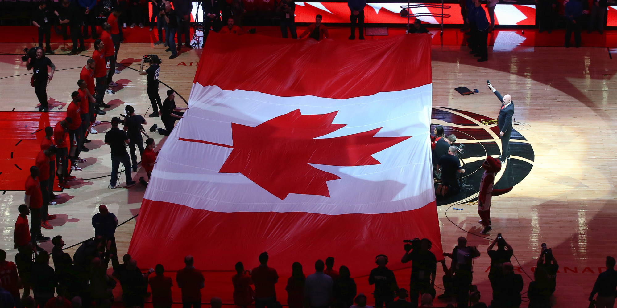 Raptors: Fans Singing 'O Canada' At Toronto Raptors Game Was Pure Magic