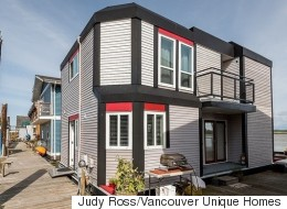 Homebuyers In Vancouver Look For Bargains At Sea