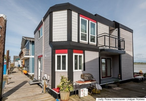 Vancouver Float Homes: Scorching Real Estate Market Pushes Buyers To Sea