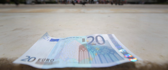 http://i.huffpost.com/gen/4284262/images/n-EURO-NOTES-GREECE-large570.jpg