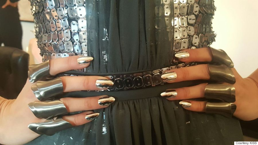 Gigi Hadid's 2016 Met Gala Manicure Cost $2,000