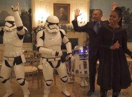 Barack et Michelle Obama dansent avec des Stormtroopers