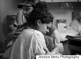 43 photos magnifiques de mères aidant leur fille durant l'accouchement