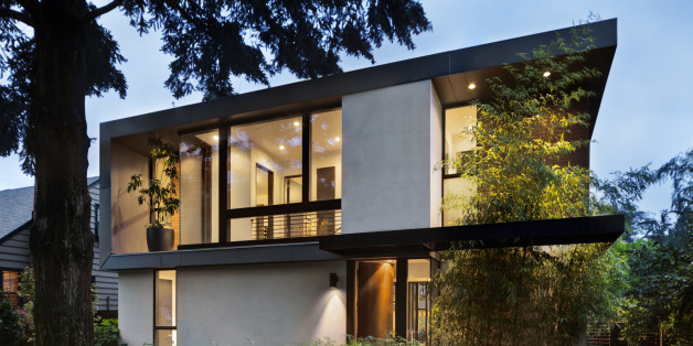http://i.huffpost.com/gen/4312474/images/n-LUXURIOUS-HOUSE-628x314.jpg