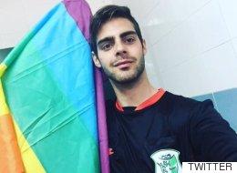게이 스페인 축구심판이 관중 욕설에 사임하다
