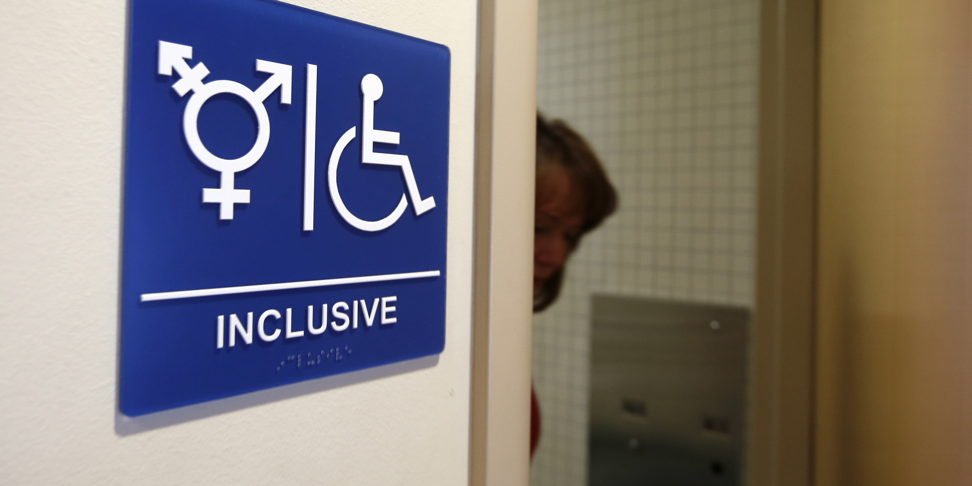 Transgender Bathroom Laws U S Government Weighs In On School Debate