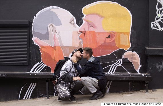 putin trump kiss lithuania